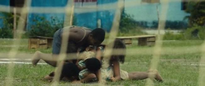 Pelé.Birth.of.a.Legend.2016.HDRip.XviD.AC3-EVO.avi_snapshot_00.11.33_[2016.05.18_22.10.57]