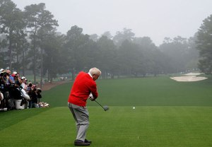 The King could probably find the fairway from the 1st tee in his sleep.  Some of the rest of us would be shaking like a leaf under similar circumstances.