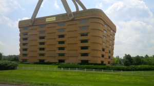 That 4-story basket is actually the Longaberger Company's global headquarters, located just a few miles from the Longaberger Golf Club.