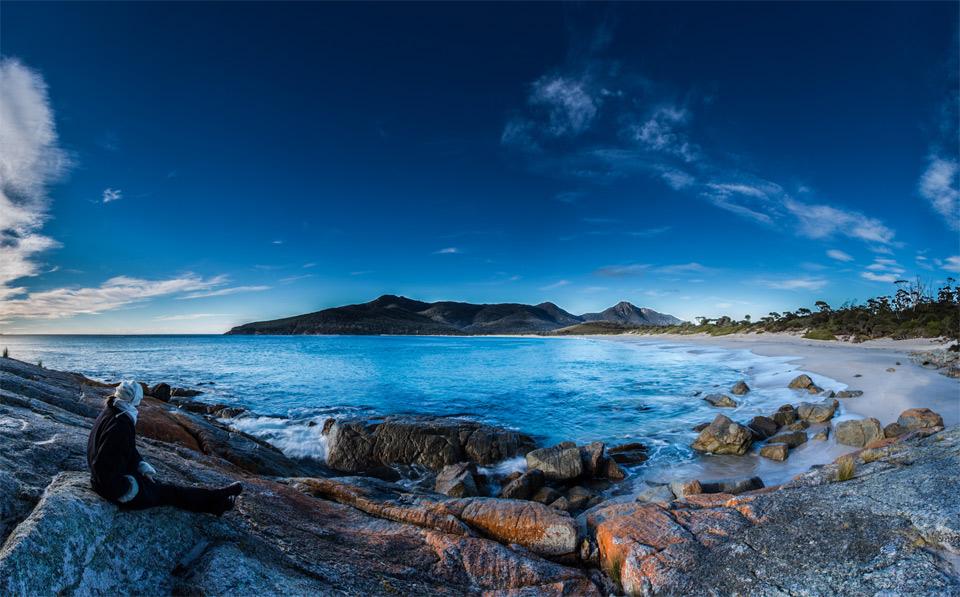 wineglass bay, freycinet national park tasmania