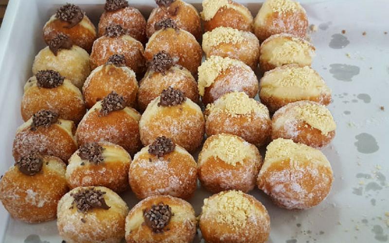 jam vs custard donuts
