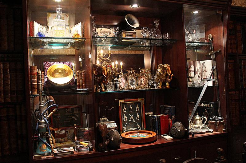 Ornament cabinet