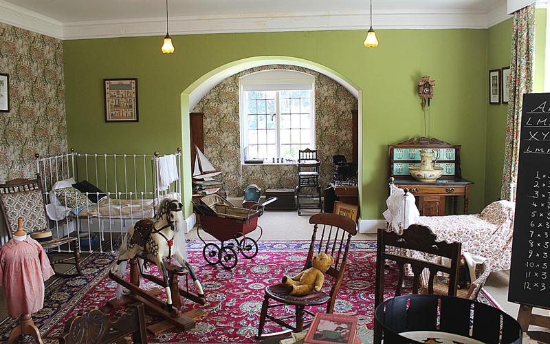 kids Edwardian bedroom