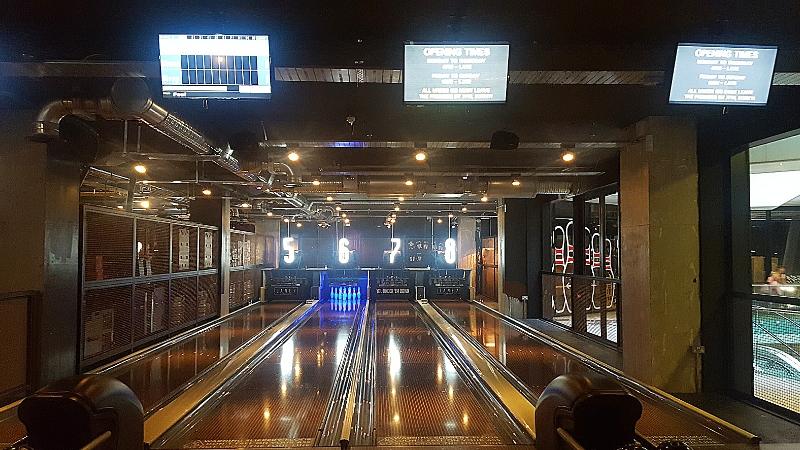 bowling lanes at lane 7