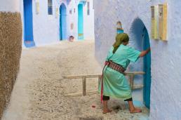 chefchaouen_green_woman_mini