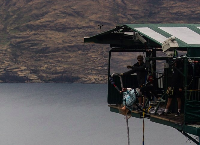 bungee Jumping - things not to miss in New Zealand
