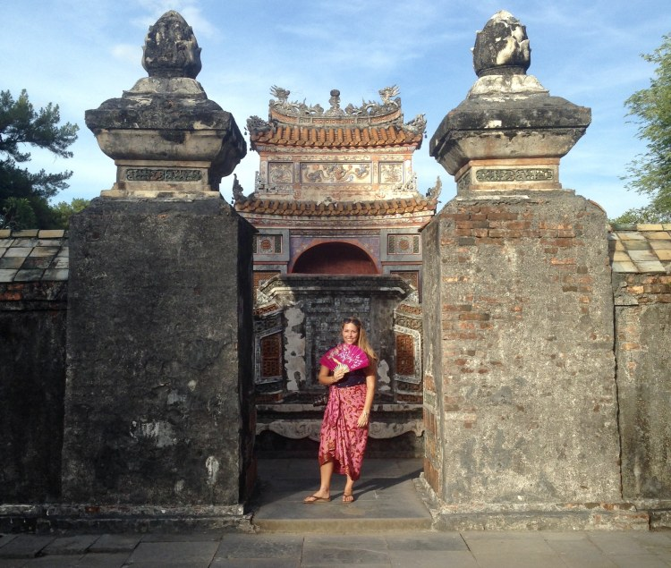 What to Expect When Visiting Hanoi, Vietnam - dress for temples