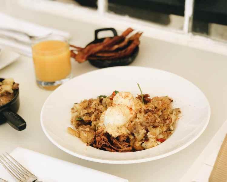 Brunch at Salado Inn - Eggs Benedict