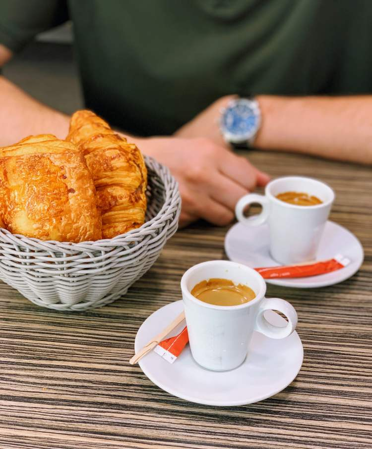How to Have a Romantic Weekend in Paris - Paris Cafe