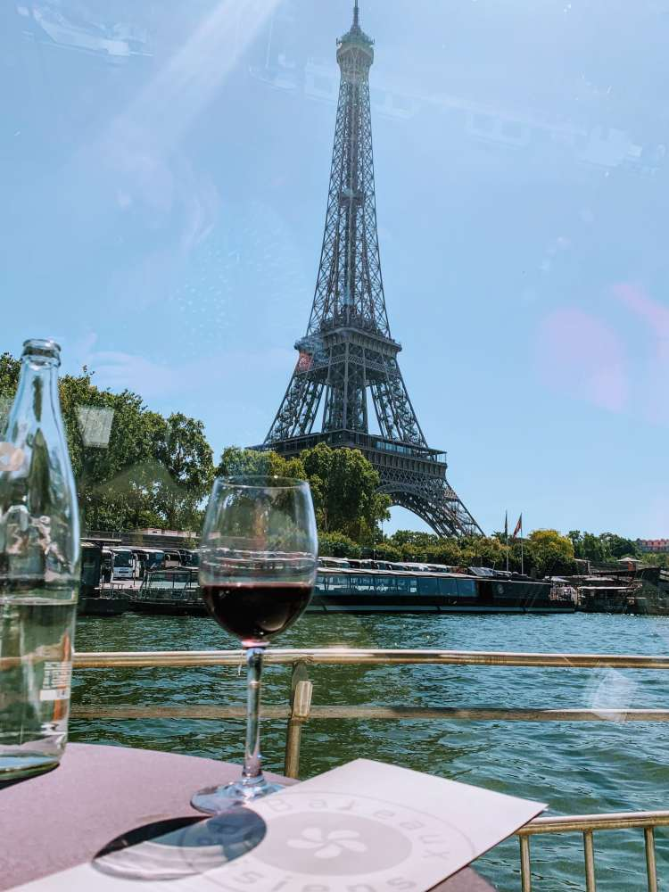 Most Romantic Weekend in Paris - Lunch River Cruise