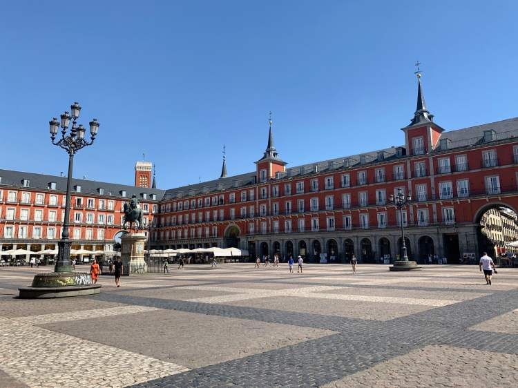 How to have an awesome Weekend in Madrid - Plaza Mayor