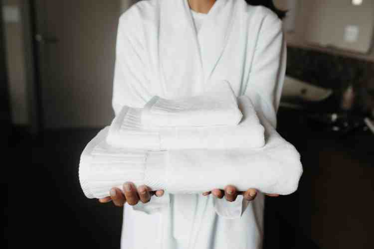 How to Make Your Home Feel Like a 5-Star Hotel with fluffy towels