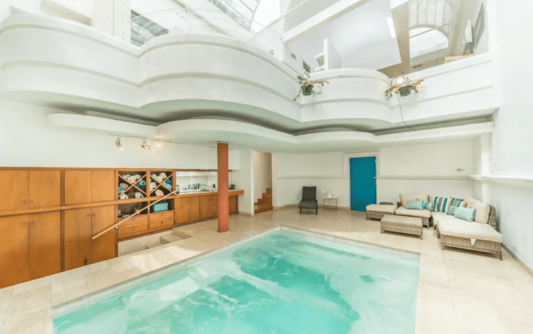 cool 6th street airbnb with pool