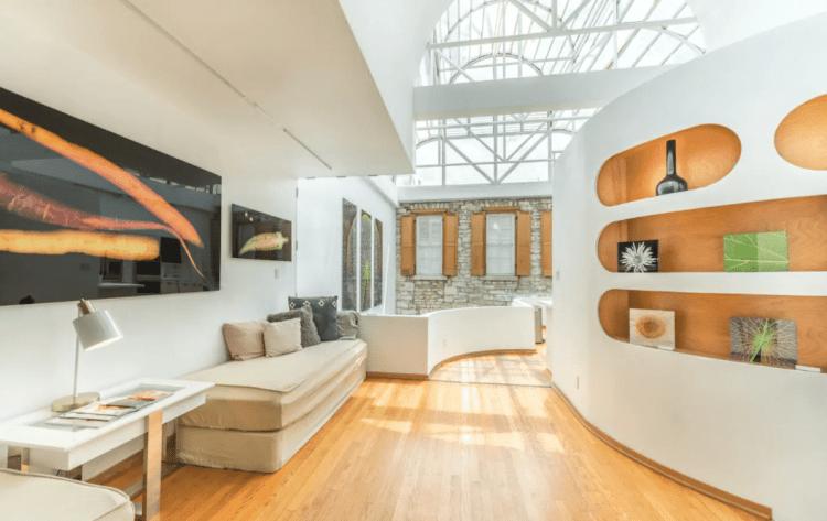 6th street austin cool airbnb
