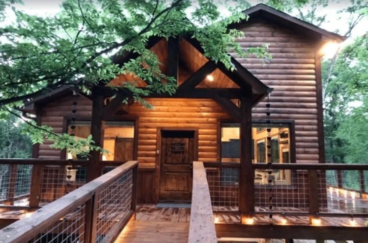 Luxury Texas Treehouse