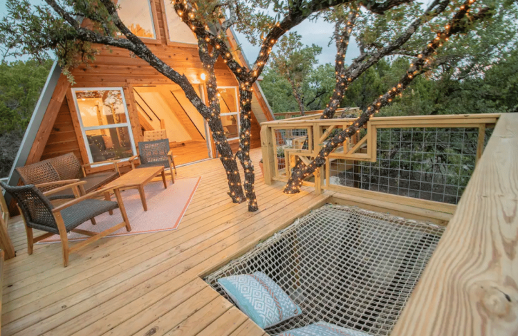Treehouse in Texas - The HIVE