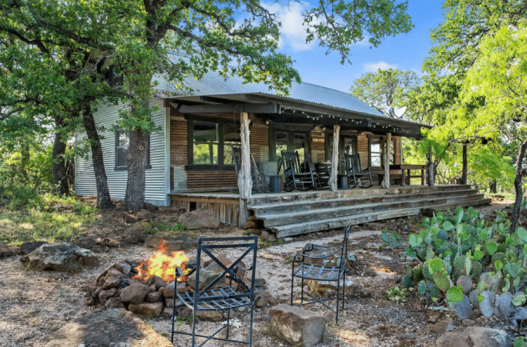Texas Tinroof Cabin Rentals
