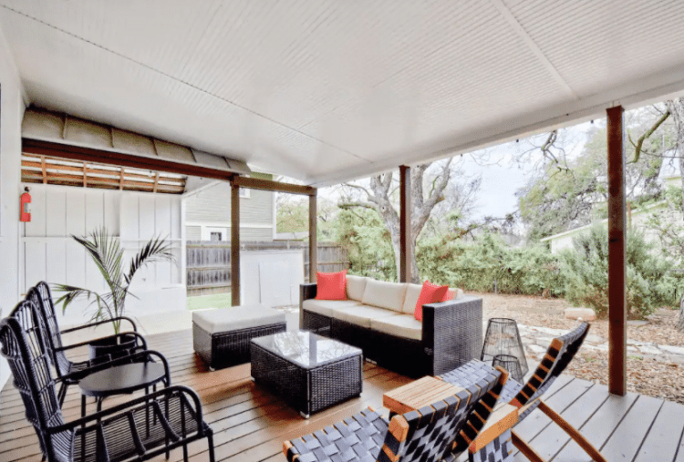 airbnb in Fredericksburg with patio