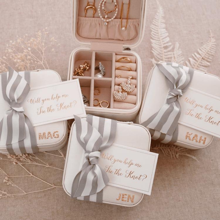 Bridesmaid Proposal Box Ideas - jewelry holder