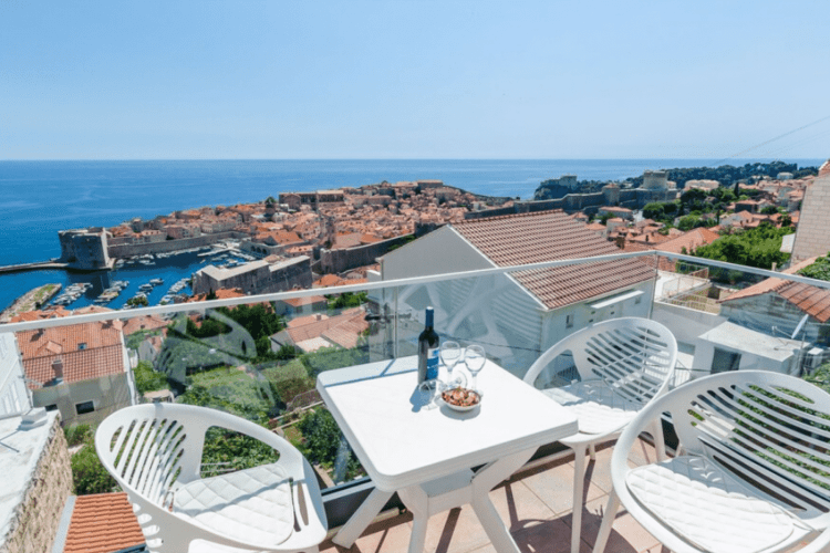 Dubovnik airbnb near old town with view