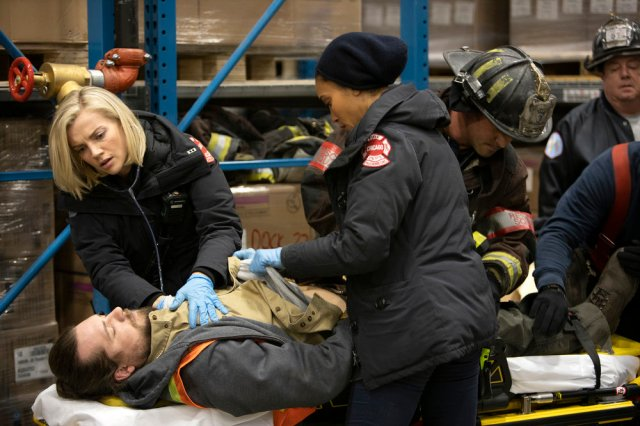 """NUP 190152 1255 - Chicago Fire (S07E16-17) """"The Drowning of a Victim""""/""""Protect a Child"""""""