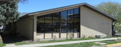 Front view of the Holdrege Area Library
