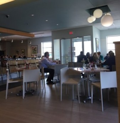 People dining at the Gateway Market & Cafe