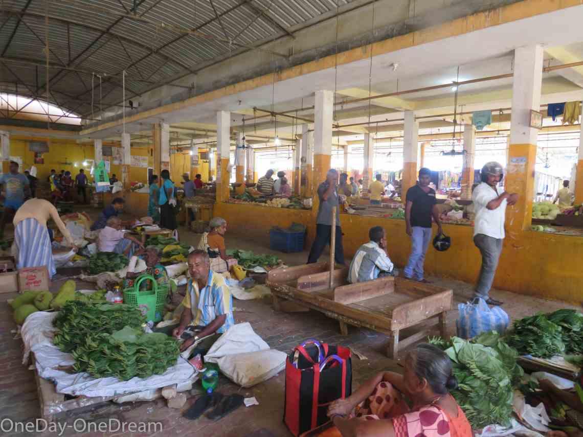 batticaloa-market.
