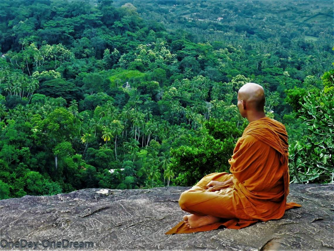 tangalle-rock-temple-monk