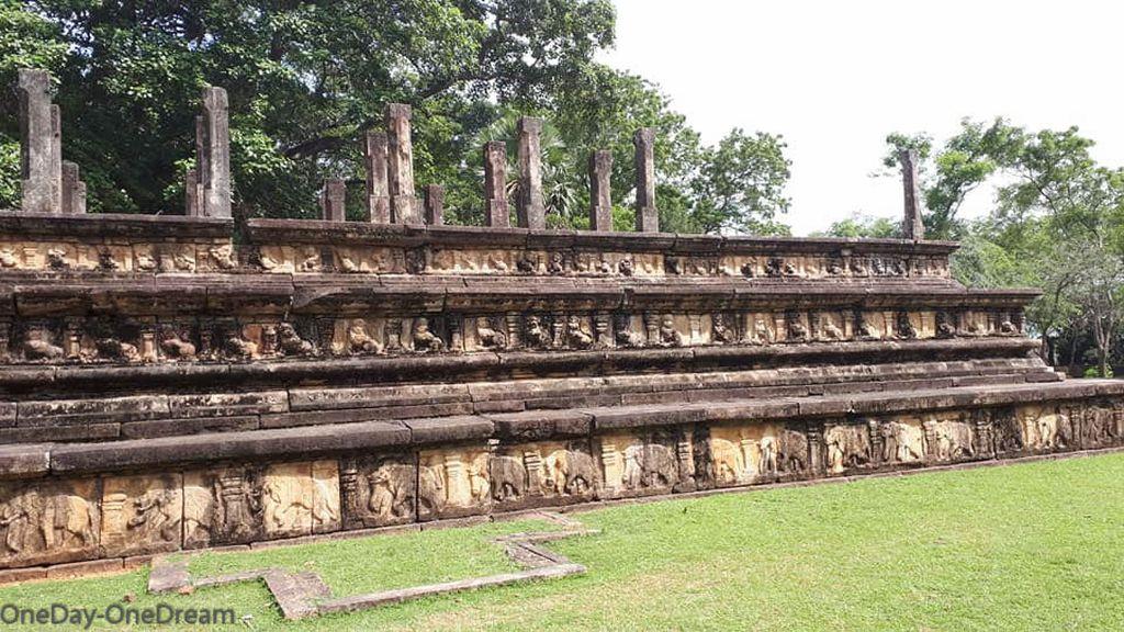 temple-polonnaruwa
