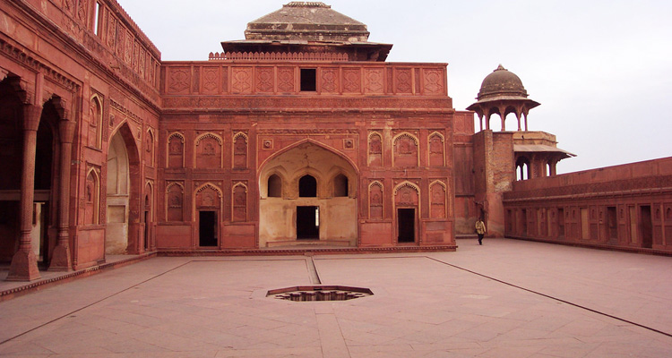 One Day Agra and Fatehpur Sikri Sightseeing Trip by Car Red Fort
