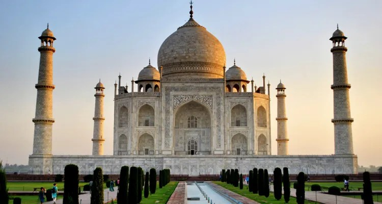 Package Glimpse One Day Agra, Mathura and Vrindavan Local Sightseeing Trip by Car