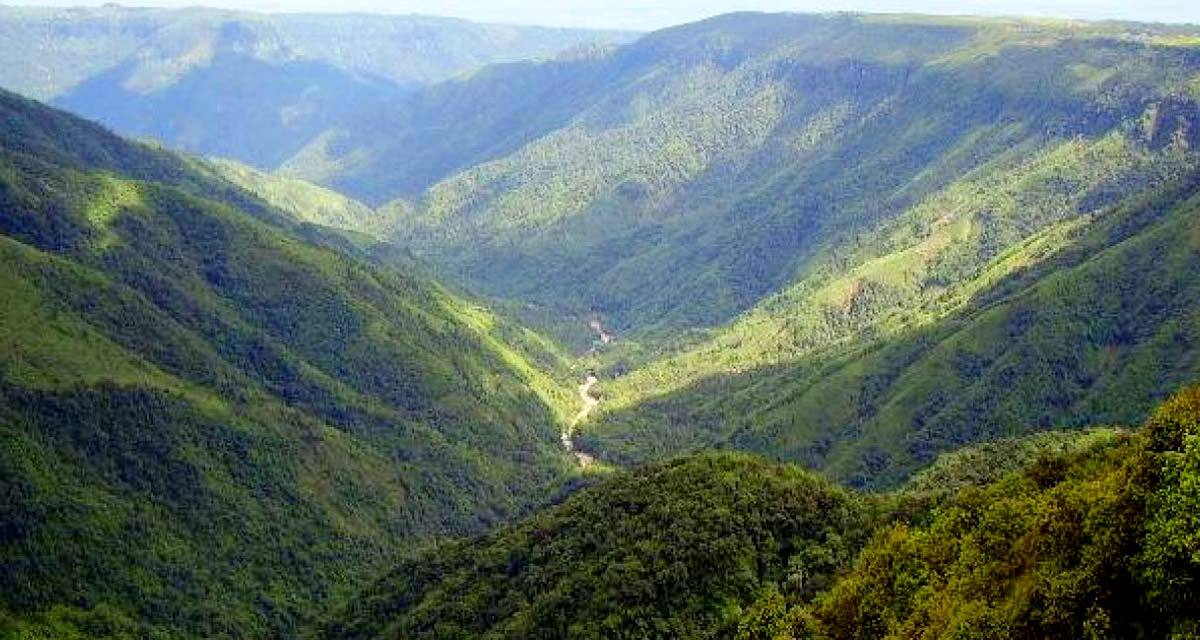 One Day Cherrapunji Local Sightseeing Trip by Car Header