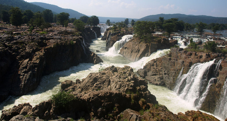 Package Glimpse One Day Coimbatore to Hogenakkal Waterfalls Trip by Car
