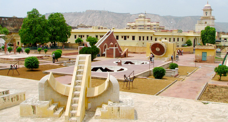 One Day Delhi to Jaipur Trip by Car Jantar Mantar