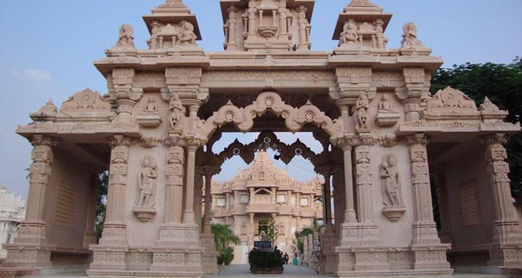 One Day Delhi to Mathura and Vrindavan Trip by Car Banke Bihari Mandir