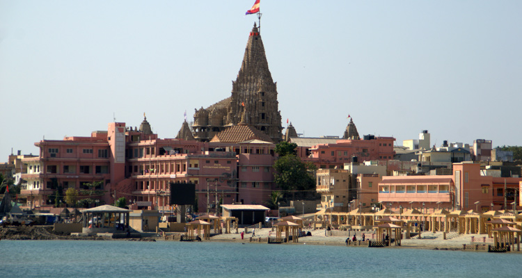 One Day Delhi to Mathura and Vrindavan Trip by Car Dwarkadheesh Temple
