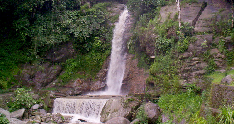 One Day Gangtok Local Sightseeing Trip by Car Ban Jhakri Falls