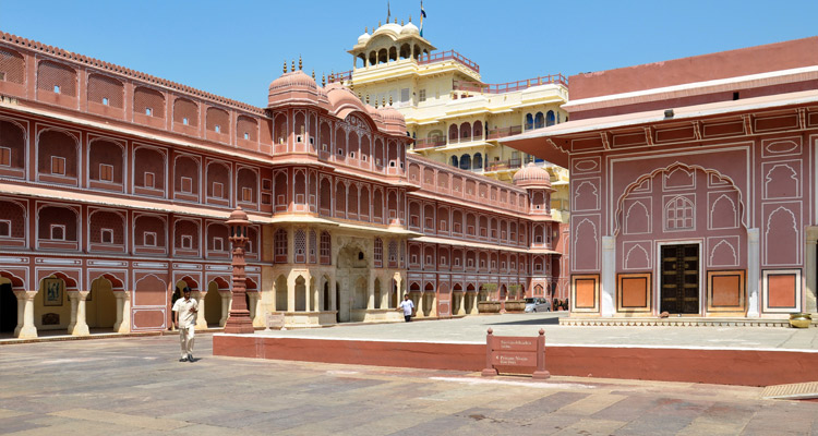 One Day Jaisalmer Local Sightseeing Trip by Car Maharaja's Palace