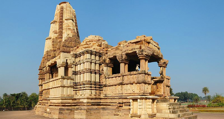 One Day Khajuraho Local Sightseeing Trip by Car Dulhadev Temple
