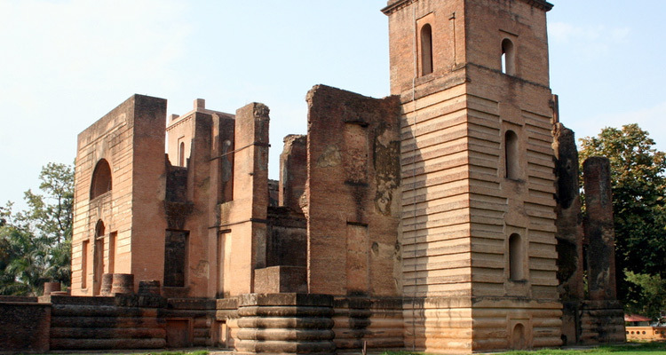 Dilkusha Palace with One Day Lucknow Local Sightseeing Trip by Cab