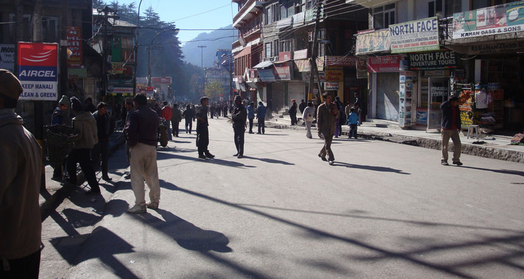 One Day Manali Local Sightseeing Trip by Car The Mall Road