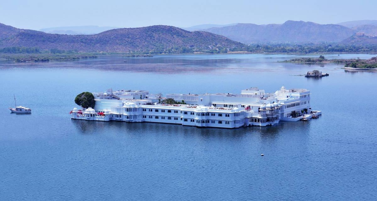 One Day Udaipur Local Sightseeing Trip by Car Header