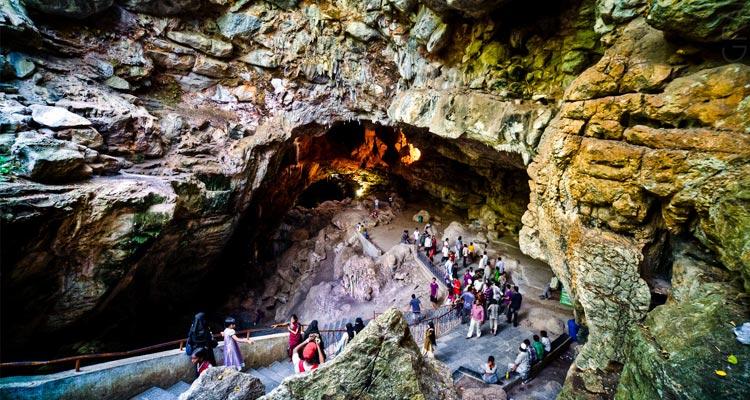 One Day Vizag to Araku Valley Trip by Car Borra Caves