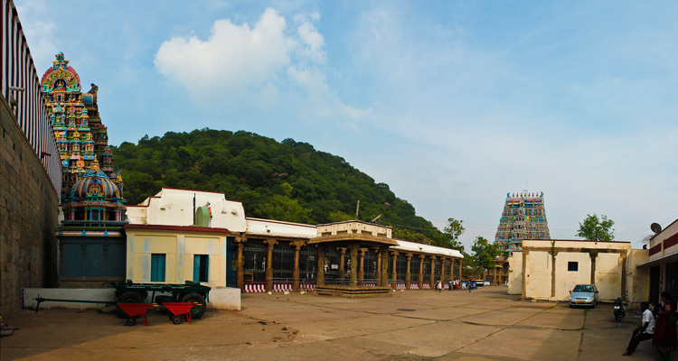 1 Day Coimbatore to Madurai and Palani Tour by Cab Azhagar Kovil