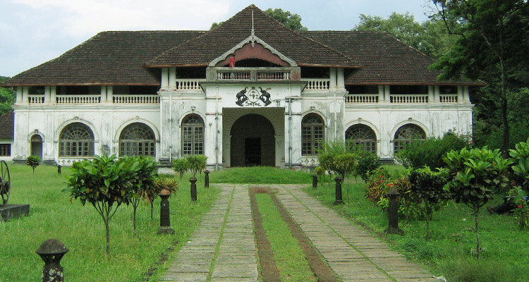 1 Day Coimbatore to Thrissur and Guruvayur Tour by Cab Archaeological Museum