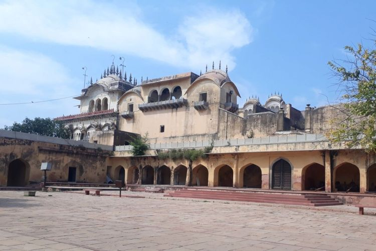 Bala Quila Fort / Alwar Fort with One Day Delhi to Alwar Trip by Cab