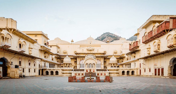 1 Day Alwar Local Sightseeing Tour by Cab City Palace