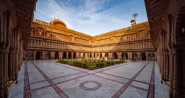 1 Day Bikaner Local Sightseeing Tour by Cab Lakshmi Niwas Palace