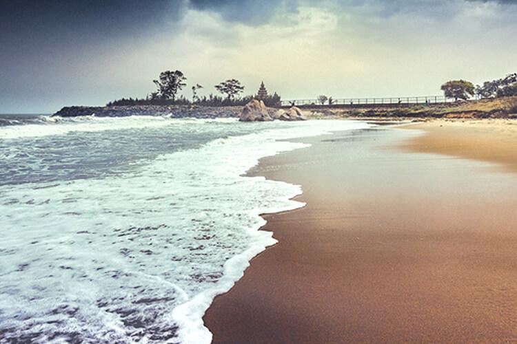 Mahabalipuram Shore Beach with 1 Day Chennai to Mahabalipuram & Kanchipuram Trip by Car
